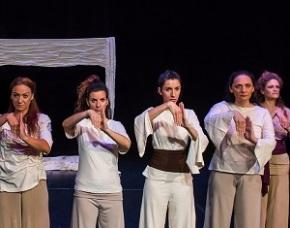 Αποτέλεσμα εικόνας για «Από το Σκοτάδι στο Φως-Οχτώ Αποσπάσματα Αρχαίων Τραγωδιών»- Θεατρική παράσταση στο Υπαίθριο Μουσείο Υδροκίνησης